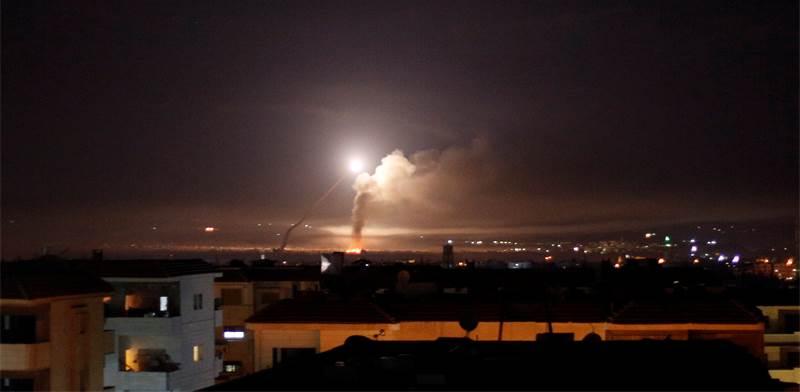 שיגור רקטה מעל סוריה / צילום: רויטרס