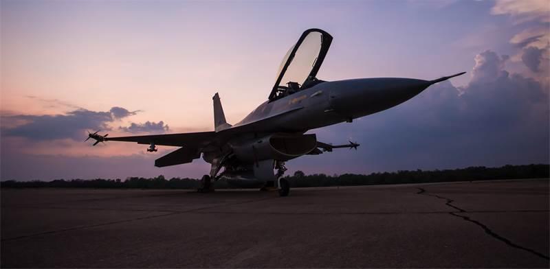 מטוס F16 / צילום: שאטרסטוק