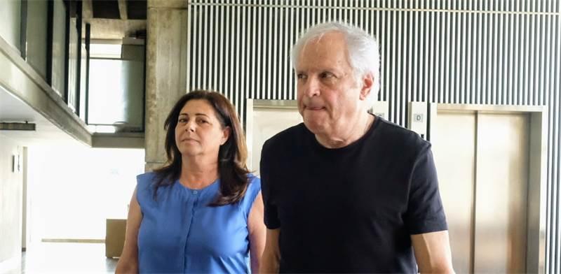 שאול ואיריס אלוביץ' בבית המשפט / צילום: שלומי יוסף