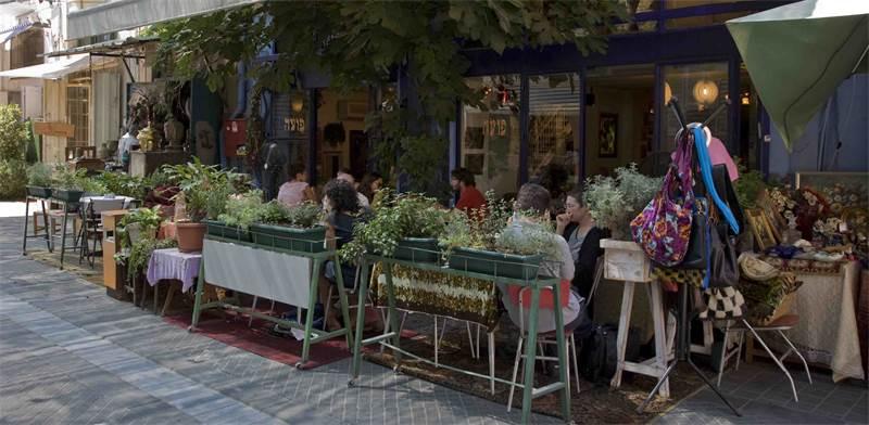 בית קפה פועה בשוק הפשפשים \ צילום: רוי פרידמן