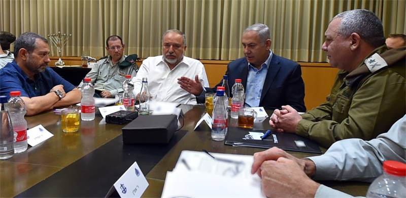 דיון הערכת המצב, בראשות ראש הממשלה ושר הביטחון, שהתקיים בקריה בתל-אביב / צילום: אריאל חרמוני, משרד ה