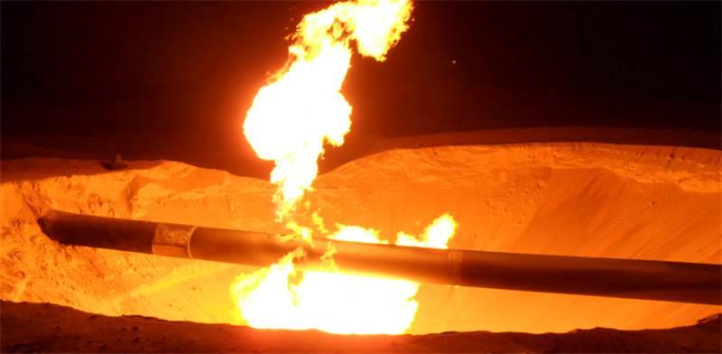 פיצוץ בצינור של EMG / צילום: רויטרס