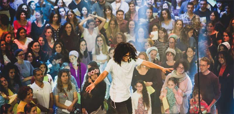 בן יפת מנצח על אירוע קוללם במגדל דוד / צילום: טלי רז