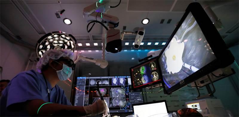 חדר ניתוח ביפן / צילום: Reuters, Kim Kyung Hoon