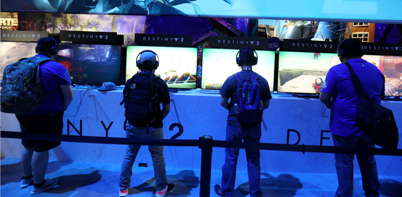 משחקי וידיאו בתערוכת אלקטרוניקה בלוס אנג'ל ס / Mike Blake / צילום: רויטרס
