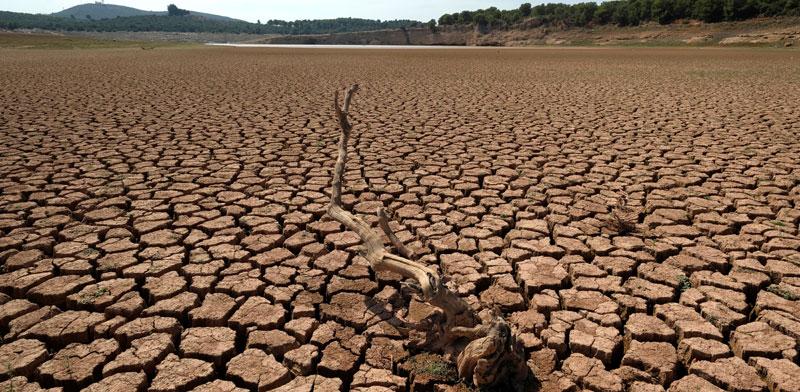מאגר מים יבש בספרד/ צילום: אתר החברה