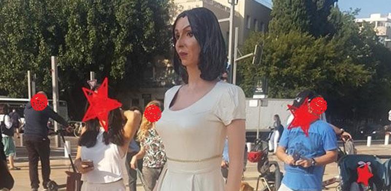 פסלה של מירי רגב בכיכר הבימה / צילום: מיכל שומן