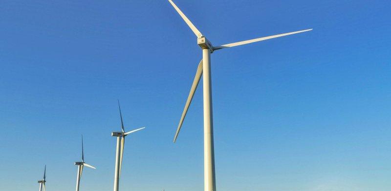 טורבינת רוח בגלבוע / צילום: שאטרסטוק