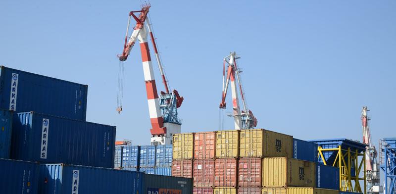 מכולות בנמל אשדוד / צילום: איל יצהר