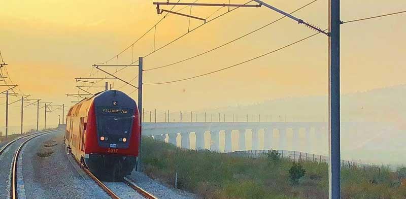"""רכבת נוסעים ראשונה בקו החדש ירושלים־ת""""א /  צילום: יחצ"""