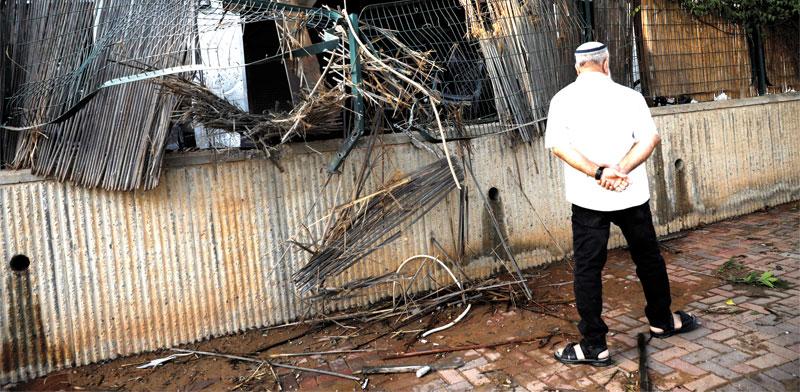 בית בשדרות שנפגע מרקטה/ צילום: רויטרס