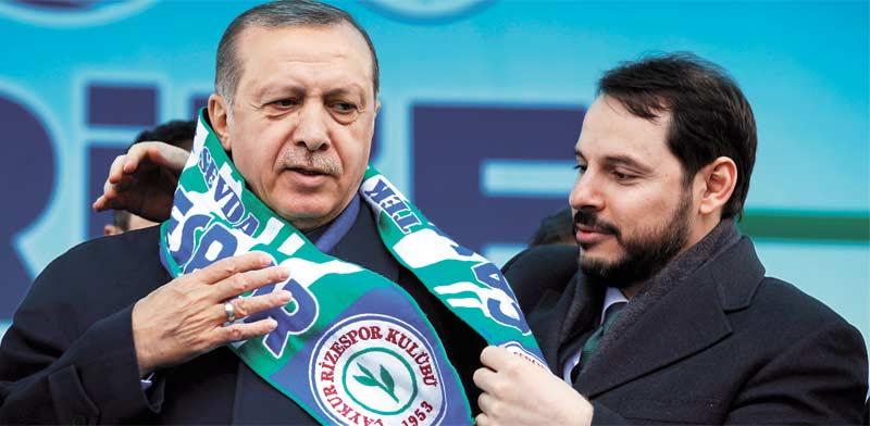 הנשיא קורא להחרמת אייפונים, שר האוצר טוען להפלת הדולר: ההנהגה הטורקית מאבדת אחיזה במציאות