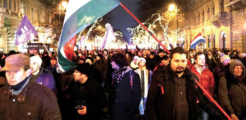 ההפגנות בבודפשט / צילום: רויטרס, Bernadett Szabo