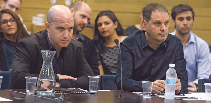 """גיל עומר  יו""""ר מועצת התאגיד, ואלדד קובלנץ, המנכ""""ל / צילום: דוברות הכנסת - יצחק הררי"""