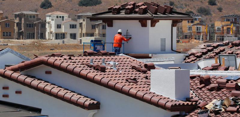 פרויקט בנייה בקליפורניה / צילום: רויטרס, Mike Blake