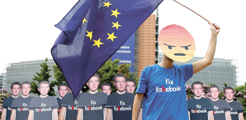 מפגינים נגד פייסבוק בבלגיה / Francois Lenoir  צילום: רויטרס