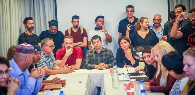 עובדי ערוץ 10 בישיבת מועצת הרשות השנייה / צילום: שלומי יוסף