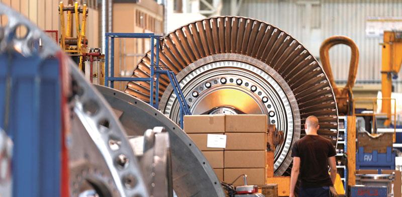 מפעל טורבינות גז של GE /צילום: רויטרס Vincent Kessler
