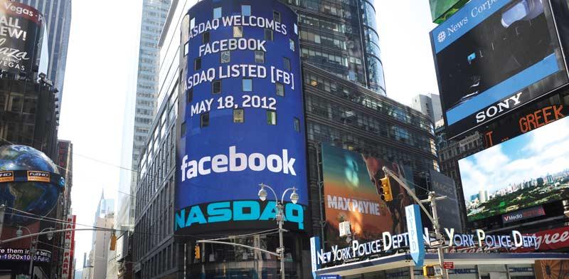"""שלט של בורסת נאסד""""ק המבשר על הנפקת פייסבוק במאי 2012 / צילום: רויטרס"""