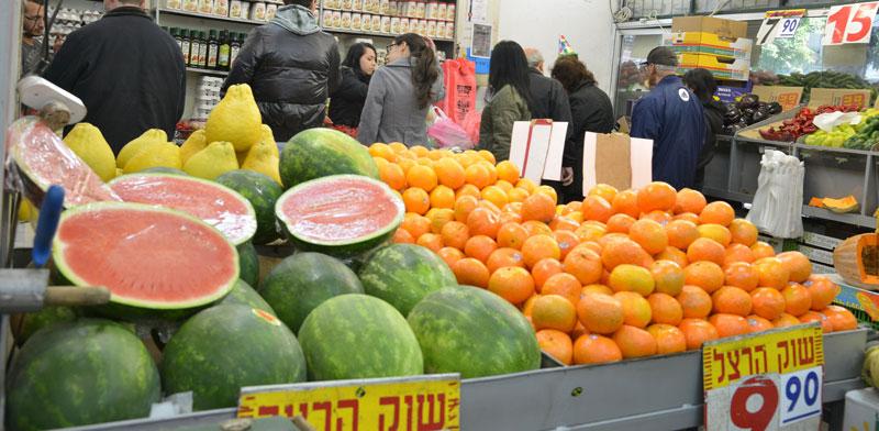 חנות ירקות / צילום: תמר מצפי