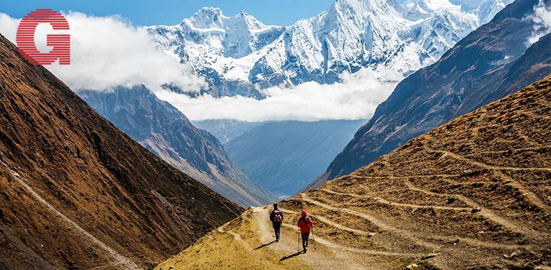נופים מסעירים, צועדים בין עמקים והרים שחלקם מושלגים / צילום: שאטרסטוק