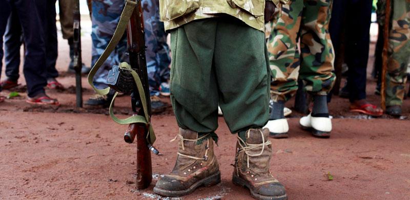 ילד חייל בדרום סודן / צילום: רויטרס