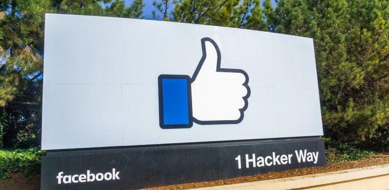facebook%20/%20%u05E6%u05D9%u05DC%u05D5%u05DD%3A%20%u05E9%u05D0%u05D8%u05E8%u05E1%u05D8%u05D5%u05E7