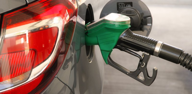 gasoline prices in israel to rise tue night globes