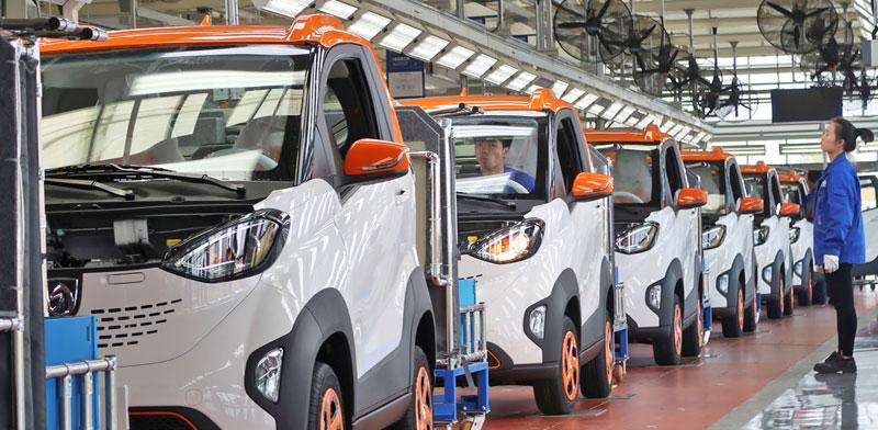 מפעל לייצור מכוניות חשמליות / צילום: Norihiko Shirouzu / רויטרס