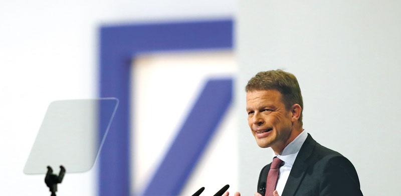"כריסטיאן סווינג, מנכ""ל דויטשה בנק/ צילום:רויטרס - Kai Pfaffenbach"