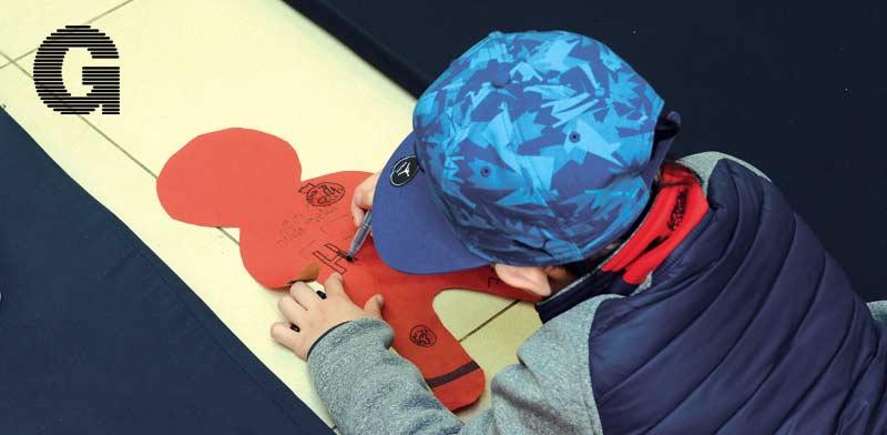 ילד בשיעור מיינדפולנס בסביון / צילום: איל יצהר