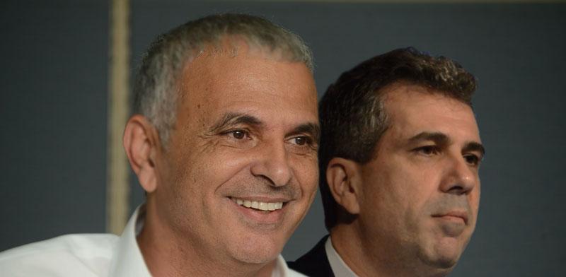 השרים משה כחלון ואלי כהן / צילום: איל יצהר