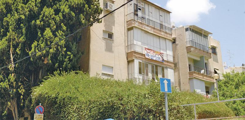 רחוב אוסישקין בחולון שכונת אגרובנק / צילום: איל יצהר