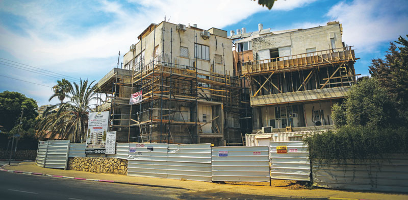 """בניין בשיפוץ תמ""""א 38 / צילום: שלומי יוסף"""