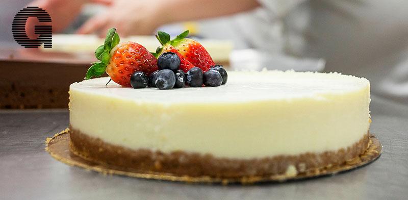 עוגת גבינה ופרות יער / צילום: דנה זונשיין