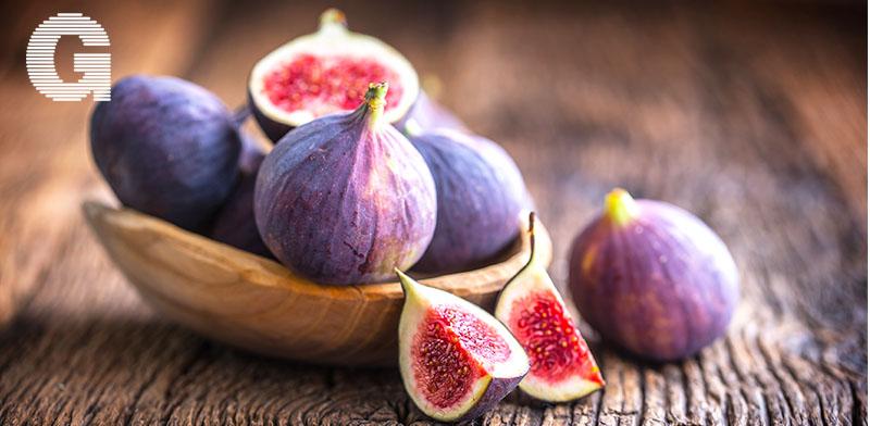 אוכל של קיץ. תאנים משתלבות בכריכים, במאפים, בסלטים ועוד / צילום: Shutterstock | א.ס.א.פ קריאייטיב