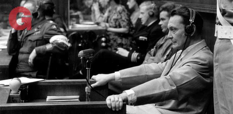 הרמן גרינג על ספסל הנאשמים בנירנברג / צילום: Gettyimages ישראל