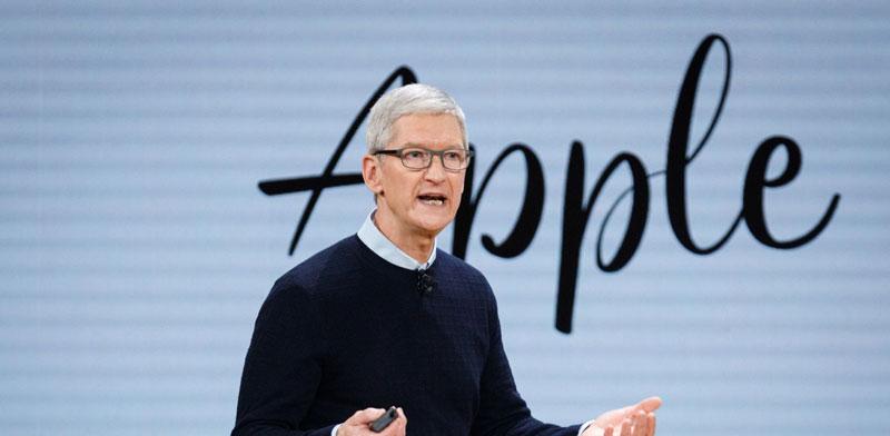 "מנכ""ל אפל, טים קוק / צילום: Shutterstock / א.ס.א.פ קריאייטיב"