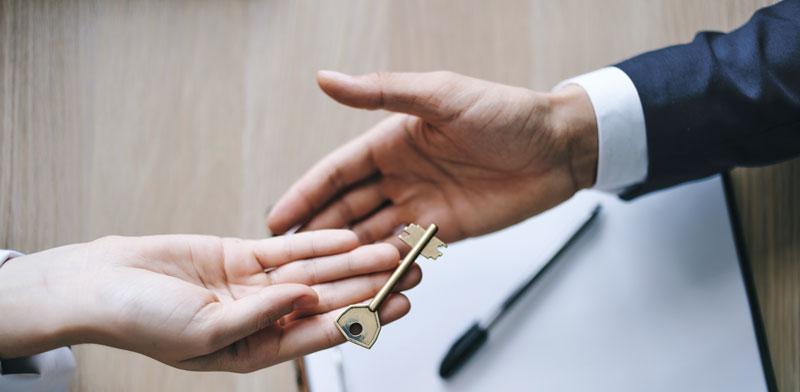 במסגרת העברת שליטה בחברה ניתן למכור גם את החוב / צילום: Shutterstock א.ס.א.פ קרייטיב