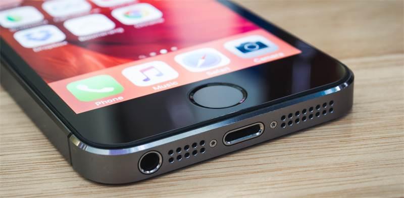 אייפון 5 / צילום: שאטרסטוק