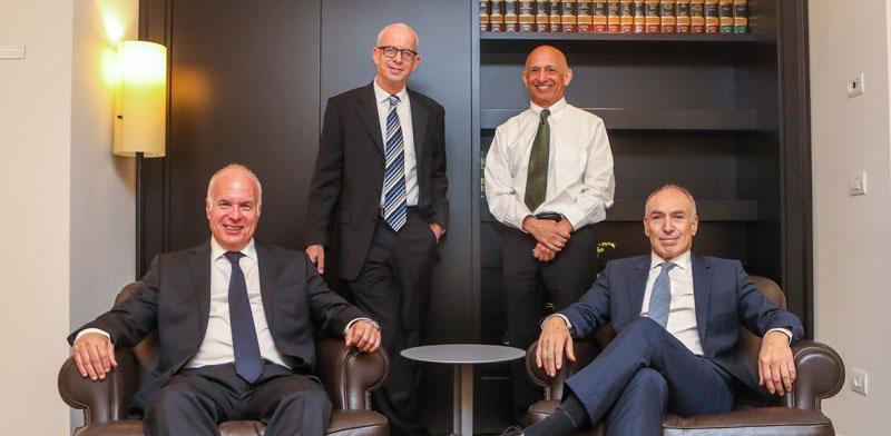 עורכי הדין רלי לשם, רובי בכר, אלקס הרטמן וגיורא ארדינסט / צילום: שלומי יוסף