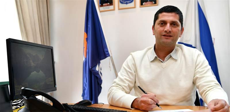 ראש עיריית נשר רועי לוי / צילום: פאול אורלייב