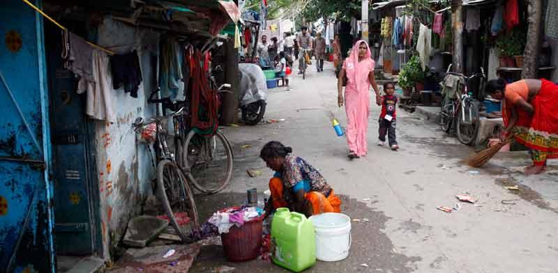 שכונת עוני בהודו / צילום: רויטרס, Anindito Mukherjee