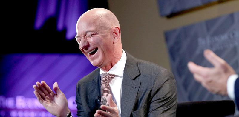 """ג'ף בזוס, מנכ""""ל ומייסד אמזון / צילום: רויטרס, JOSHUA ROBERTS"""
