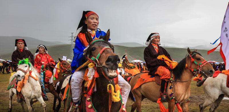 בני השבטים בתלבושות עממיות / צילום: דורון הורוביץ
