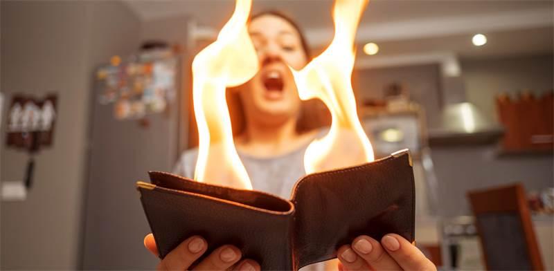הכסף שלנו עולה באש /צילום: shutterstock