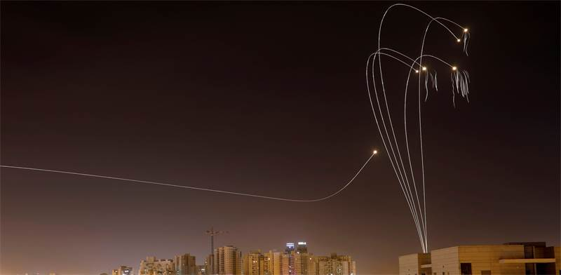 Iron Dome interceptions above Ashkelon  photo: Amir Cohen, Reuters