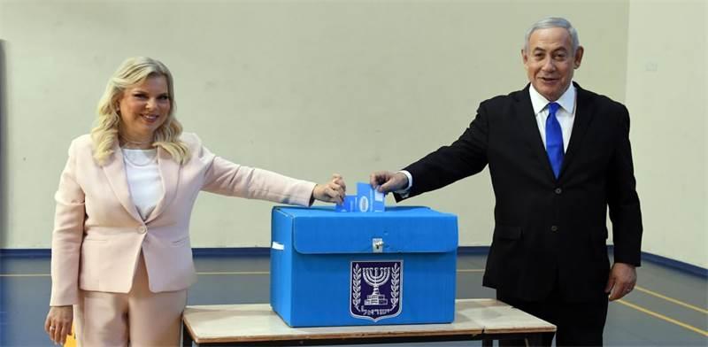 """בנימין ושרה נתניהו בקלפי / צילום: חיים צח, לע""""מ"""