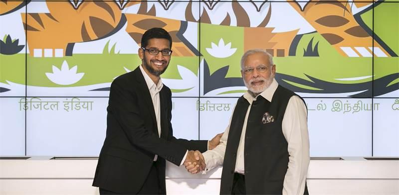 """מנכ""""ל גוגל סונדאר פיצ'אי וראש ממשלת הודו נרנדרה מודי / צילום: Elijah Nouvelage, רויטרס"""