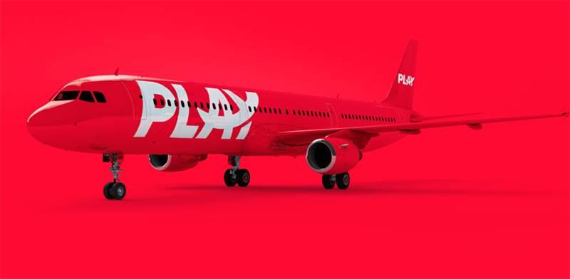 """דגם המטוס של חברת PLAY / צילום: יח""""צ"""